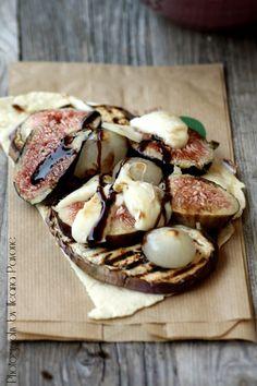 Piadina con fichi, melanzane e cipolline