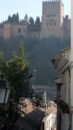 La Alhambra de #Granada desde el #Albaicin / #viajar #Andalucia #Spain *** photo Robert Bovington ***