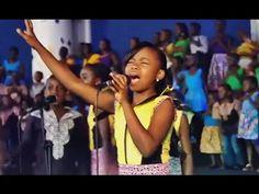 Preciso de Ti ● Coral de Crianças Africanas - Proclaim Music - YouTube
