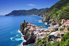 Cinque Terre- means '5 lands' - 5 fishing villages on the coast in #Italy #travel