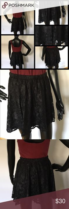 🌼NEW🌼 Adorable lace Asos skirt, size 4 🌼NEW🌼 Adorable lace Asos skirt, size 4. Beautiful laced all over and fully lined. It has an elastic waistband and is very flowy. Great for a party! ASOS Skirts Mini