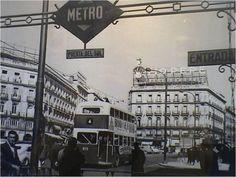 Tweets con contenido multimedia de La Ville De Madrid (@LaVilleDeMadrid)   Twitter Madrid Metro, Tio Pepe, Foto Madrid, Metro Station, Street View, City, World, Places, Pictures