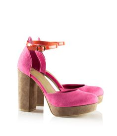 H: Platform sandals in imitation leather with a strap and buckle around the ankle. Rubber soles.