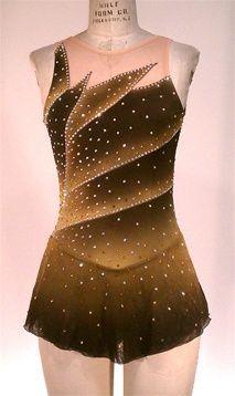 Figure Skating Outfits, Figure Skating Costumes, Figure Skating Dresses, Dance Outfits, Dance Dresses, Dress Outfits, Beautiful Figure, Costume Design, Skirt Fashion