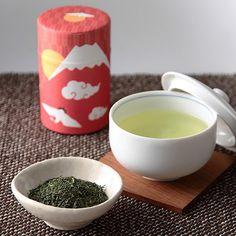 梅と富士山をモチーフにした缶に三重県産伊勢茶を詰合せました。【初春セット(FS-25)】
