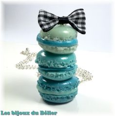 Collier gourmand triple macarons fimo bleus pour petite fille / ado / femme : Collier par les-bijoux-du-belier