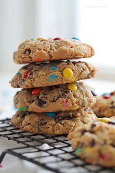 chocolatecakezone:  Monster CookiessourceMore cake & cookies...