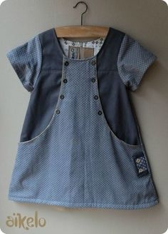Junebug Dress remixée… – les Zigouiguis d'AïkElo Toddler Dress, Toddler Outfits, Kids Outfits, Sewing Kids Clothes, Baby Sewing, Kids Clothing Girls, Little Dresses, Little Girl Dresses, Baby Dress Design
