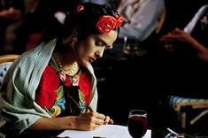 Salma Hayek as Frida Kahlo in Frida - 2002 Diego Luna, Frida E Diego, Good Movies On Netflix, Good Movies To Watch, Top Film, Film Base, Diego Rivera, Salma Hayek, Ashley Judd