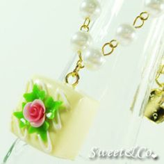 Sweet Yellow Rose Chocolate Pearl Necklace