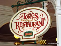 Tony's Town Square Restaurant has a unique Lady & the Tramp theme. This Disney World restaurant offers a lunch and dinner menu with Italian-American dishes. Disney Food, Disney Parks, Walt Disney, Tonys Town Square Restaurant, Disney World Restaurants, American Dishes, Disney World Magic Kingdom, Lamb Shanks, Restaurant Offers