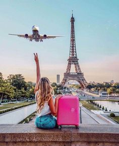 You're on social media and you want to show the world your best self-the times when you're Photography Poses, Travel Photography, Paris Photography, Eiffel Tower Photography, Instagram Vs Real Life, Baby Pink Aesthetic, Paris Wallpaper, Paris Pictures, 139