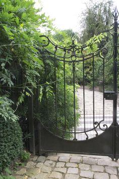 Le Jardin Agapanthe - love it or hate it, but don't miss it!