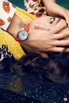 View all TAG Heuer® Official Website - All Women Watches watches and find the perfect watch for your wrist. TAG Heuer Swiss avant-garde since Tag Heuer Aquaracer Chronograph, 1 Tattoo, Bowie Tattoo, Tag Heuer Professional, Tag Heuer Formula, Watches Photography, Retro Aesthetic, Orange Is The New Black, Editorial Fashion