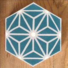 Modèle Safi de la Maison BAHYA, carreaux de ciment fabriqués à la demande, à personnaliser avec nos 72 couleurs. #carreauxdeciment #cementtiles #tailormade #handmade