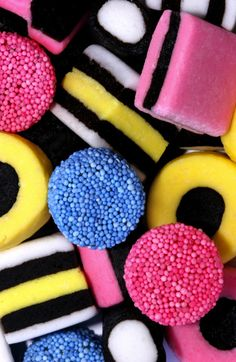 liquorice all sorts Liquorice Allsorts, Birthday Frames, Candy Art, Food Wallpaper, Colorful Candy, Candy Store, Aesthetic Food, Candy Recipes, Confectionery
