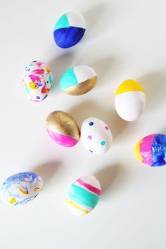 Painted gold easter eggs - easter eggs with kids - www.pencilshavingsstudio.com