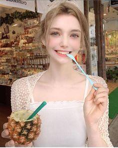 Meet Chloe, The Gorgeous German Model That Looks Like An Elf Beautiful Girl Image, Beautiful Asian Girls, Beautiful Eyes, Mode Ulzzang, Ulzzang Girl, Chloe, Girls Image, Girl Face, Aesthetic Girl