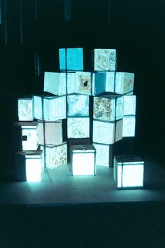 v0tum: light boxes