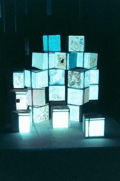 v0tum:    light boxes