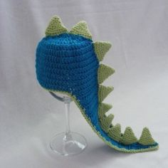 Crop dinosaurus   fotenie Crochet Hats, Fashion, Knitting Hats, Moda, Fashion Styles, Fashion Illustrations