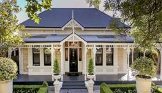 60 Stunning Australian Farmhouse Style Design Ideas - Page 7 of 56 - Abidah Decor Farmhouse Floor Plans, Farmhouse Style, Farmhouse Ideas, Exterior House Colors, Exterior Design, Style At Home, House Front, My House, White Trim