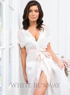 Farrah Lace Robe   #dreamwedding #whiterunway