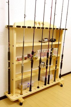 Diy Fishing Rod Holder, Fishing Pole Storage, Wood Projects, Woodworking Projects, Rod Rack, Fish Crafts, Garage Organization, Pallet, Pontoons