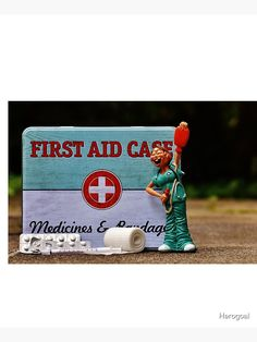 """""""My First Aid Case to help everybody by the Party, Girl friend"""" Schürze von Herogoal 
