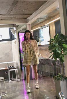 Asian Street Style, Korean Street Fashion, Korea Fashion, Asian Style, Asian Fashion, Look Fashion, Fashion Outfits, Aesthetic Fashion, Aesthetic Clothes