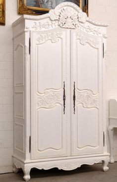 Louis XV Style Louis Xv, Cottage Design, French Furniture, Dressing, Beautiful Bedrooms, Laundry Room, Furniture Refinishing, French Fashion, Fashion History