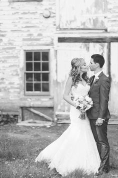 Wedding photos near the Lake Valhalla Club in Montville, NJ. Captured by NJ wedding photographer Ben Lau.