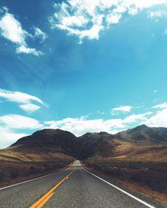 Headed toward #mtborah and just south of #challis is this cool mountain passage! #peakstocraters #scenicbyway #hiddengemstate #idaho #roadtrippin #northwestisbest #exploreidaho #idahoexplored #idahodaily #idahome 🌾