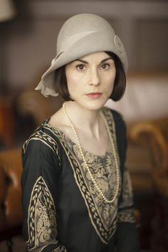the consulting detective | ITV photos of Downton Abbey S6 E2 | Lady Mary