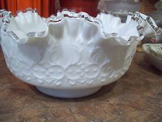 """Marked FENTON SILVER CREST SPANISH LACE CRIMPED 9 1/2"""" BOWL Milk Glass"""
