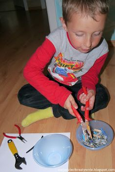 transfer with tools Preschool Centers, Practical Life, Creative Kids, Malaga, Art For Kids, Education, Blog, Fun, Crafts