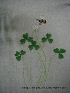 0번째 이미지 Handkerchief Embroidery, Hand Embroidery Stitches, Hand Embroidery Designs, Cross Stitch Embroidery, Form Crochet, Crochet Quilt, Techniques Couture, Needlepoint Patterns, Textile Art