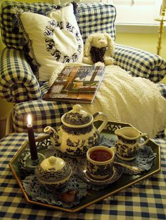 Celebrating the Winter Blues with Blue Willow China, a Blue and White Bedroom and a Cozy Book for the Winter House all blue and white--relaxing Café Chocolate, Blue Willow China, Blue China, China China, Vibeke Design, Damier, Cozy Corner, Cozy Nook, Cosy