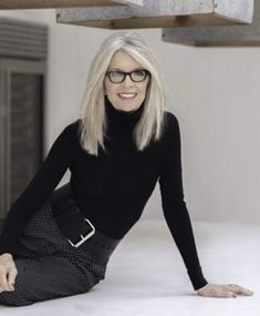 Definitely on MY bucket list . meeting Diane Keaton and she's coming to Hudso… Definitely on MY bucket list . meeting Diane Keaton and she's coming to Hudson Grace SF! Come early, get a signed book April 17 rsvp… Diane Keaton Age, Dianne Keaton, Diane Keaton Books, Fashion Over, Look Fashion, Fashion Beauty, Fashion Black, Fashion Clothes, Spring Fashion