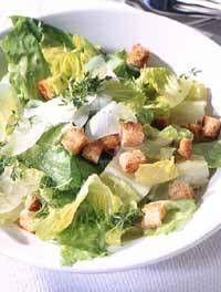 """Caesar's Salad - mit """"Wow!""""-Effekt - """"Sommerabend auf dem Balkon? Sterneköchin Lea Linster serviert einen knackigen Caesar's Salad - garniert mit den weltbesten Croûtons."""""""