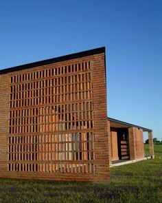 Arquitectos: Marsino Arquitectos Año de la Obra: 2006 Área construida: 303,5 m² Ubicación: Entre Ríos, Argentina