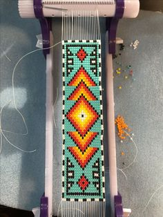 Native Beading Patterns, Seed Bead Patterns, Beaded Jewelry Patterns, Indian Beadwork, Native Beadwork, Loom Bracelet Patterns, Bead Loom Bracelets, Bead Loom Designs, Beaded Crafts