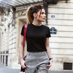 "37.6 k mentions J'aime, 161 commentaires - Capucine Anav (@capucineanavoff) sur Instagram : ""H E L L O. Y O U  Picture by @alixdebeer •••• #photography #photographer #frenchgirl #paris…"" Style Parisienne, Leather Skirt, Casual Shorts, Fashion Looks, Street Style, Chic, Skirts, Pictures, Photography"