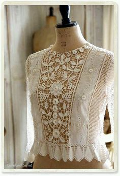 ♥ the lovely romanticism of hand-made Irish Lace (front panel & hem) joined to soft Batiste blouse