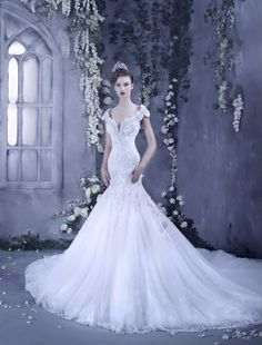I wish all girls who can meet the guardian of her life. 2017 Bridal, Bridal Gowns, Beautiful Gowns, Beautiful Bride, Dream Wedding Dresses, Wedding Gowns, Fairytale Gown, Bridal Style, Wedding Styles