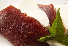 Guava paste - Like it with cheese.Romeu e Julieta Guava Paste, Visit Brazil, Taste Of Home, Sweet Stuff, Preserves, Hawaiian, Spanish, Food And Drink, Appetizers