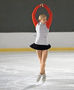 The defending U. Figure Skating champion and Olympic bronze medalist explains why she never stops challenging herself. Gracie Gold, Figure Skating Quotes, Figure Skating Dresses, Ice Skating Beginner, Ice Skating Pictures, Figure Ice Skates, Skate 3, Gym Leotards, Weight Loss Workout Plan