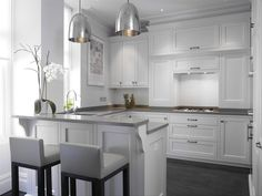 White and Gray Kitchen - Bespoke Kitchens by Holloways of Ludlow/ Love this for a small kitchen! Grey Kitchens, Bespoke Kitchens, Home Kitchens, Living Room Kitchen, New Kitchen, Kitchen Interior, Kitchen Design, Kitchen Orangery, Gray And White Kitchen