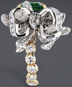 Bague Acanthe Émeraude, Dior à Versailles