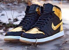 "Air Jordan 1 ""NYE Python"" for Marcus Jordan by JBF Customs #snkrhds #shoegame #shoeporn #sneakheat #sneakerhead #solecollector #chicksonfire #peepmysneaks #kixify #complexkicks #sneakerholic #kicksonfire #diamondkickks #sneakerlistinc #reshoevn8r #jordan #nike #airmax #adidas #asics #rebook"